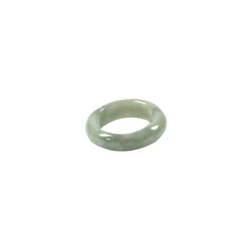Simbolica lichtgroene ring van jade