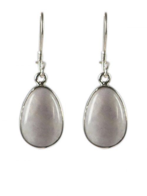 Simbolica lila jade oorhangers zilver