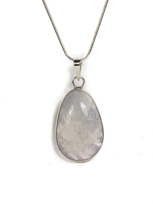 Simbolica lila hanger van jade en zilver