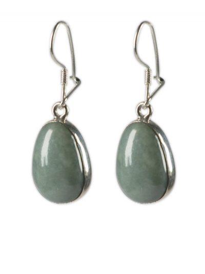 Simbolica lichtgroene jade oorhangers zilver