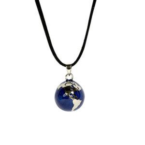 Simbolica hanger blauwe zwangerschapsbal met wereld