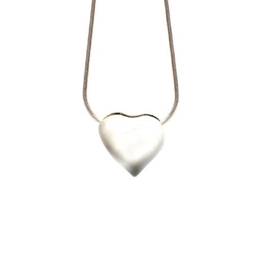 Simbolica zilveren hart aan zilveren ketting
