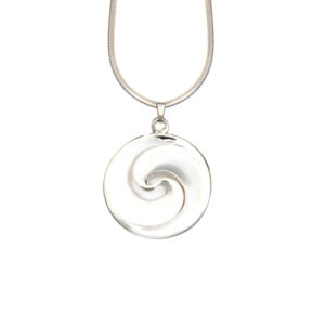 Maori hanger zilveren dubbele koru met zilver ketting