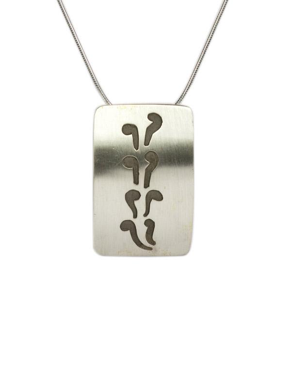 Simbolica hanger k'ay symbool met zilveren ketting