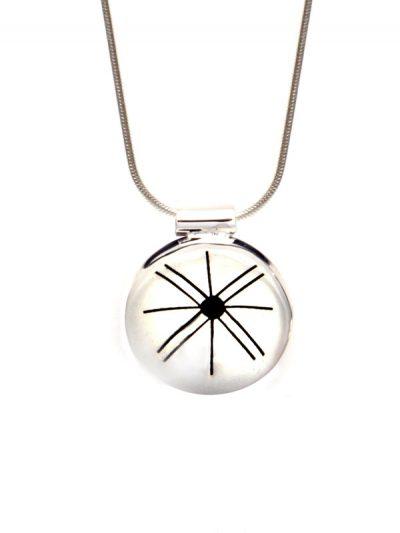 Simbolica hanger medicijnwiel symbool met zilveren ketting