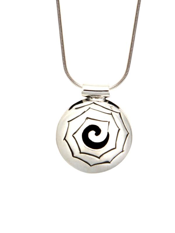 Simbolica hanger caracol symbool aan zilveren ketting