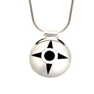 Simbolica hanger omaha symbool aan zilveren ketting